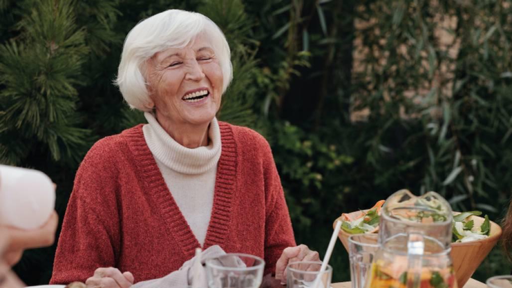 Israel-investe-na-saúde-bucal-dos-idosos